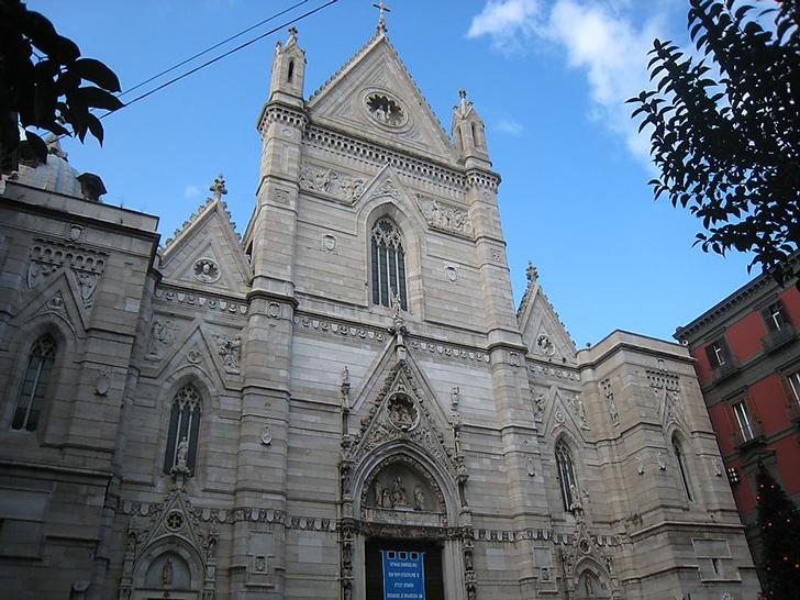 La Catedral de Napoles, Italia